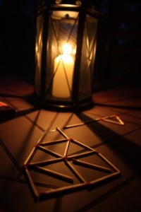 candle-dark-matches