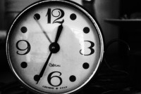 black-and-white-clock-hand