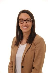 Mme Andrée-Ann Deschênes