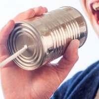 Comment le chef de projet devrait-il gérer un dominateur pendant une réunion d'équipe ?